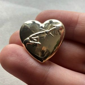 """E.T"" Movie Vintage Heart Shaped Brooch/Pin (1982)"